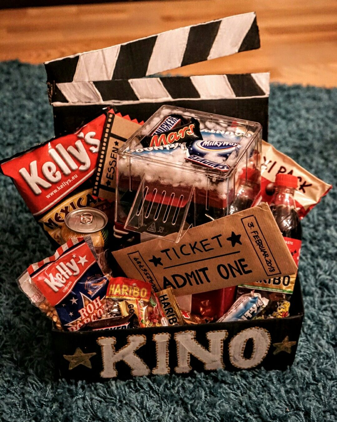 Kinobox mit Popcornmaschine (perfektes Geschenk für Männer zu jeden Anlass) #kinogutscheinbasteln