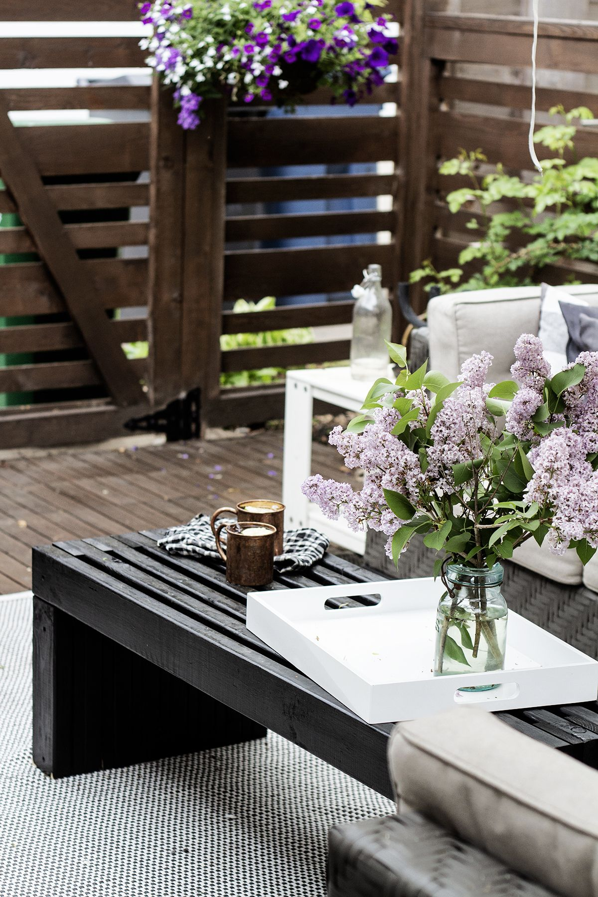 An easy to build outdoor coffee table outdoor coffee
