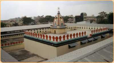 http://www.indiatemplesinfo.com/india/tag/mantralayam-temple-kurnool/ Mantralayam temple is Situated in Kurnool district of Andhra Pradesh in india, Mantralayam is a small and peaceful town situated on the banks of the River Tungabhadra, and gets thousands of devotees from all over the country.