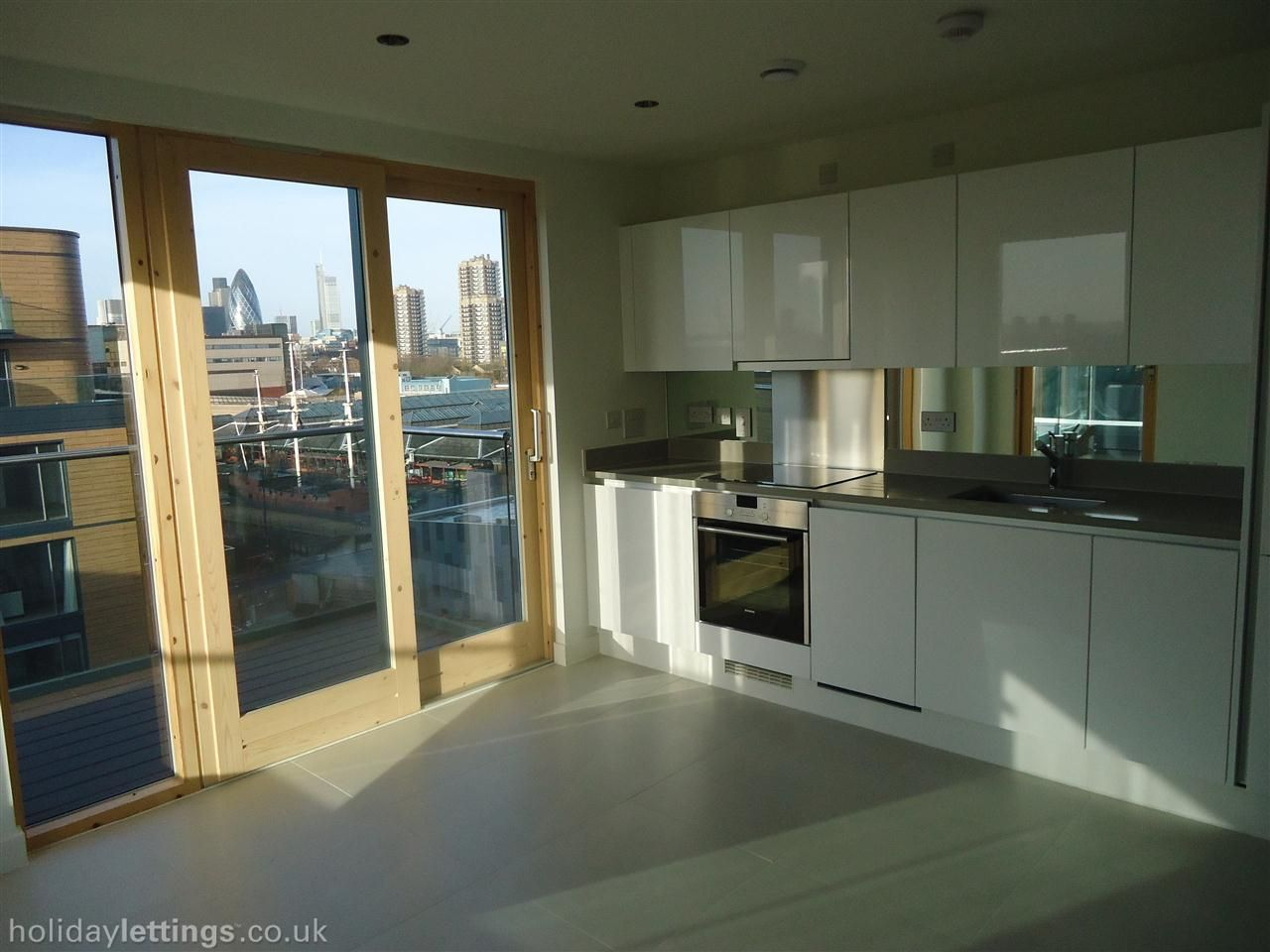 1 Bedroom Apartment In Central London Zone 1 To Rent From 800 Pw With Wheelchair Access Balcony Terrace Tv And D 1 Bedroom Apartment Bedroom Apartment Home