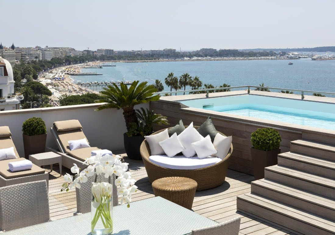 H tel barri re le majestic cannes france majestic for Week end piscine privee