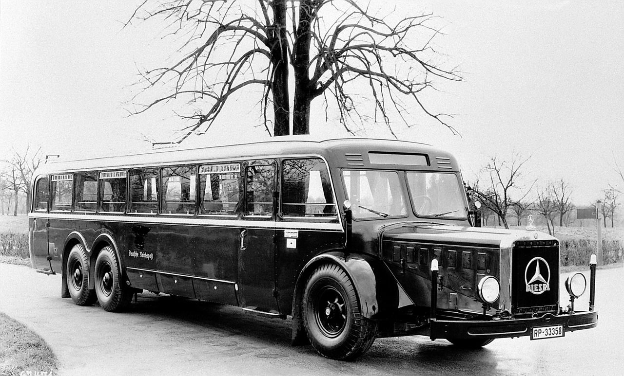 1971 mercedes benz o302 bus daimler ag de auto mercedes benz de - For An Easy Reach Of All The Articles Related To Mercedes Benz Bus History We Ve Compiled All The Links In A Single Post