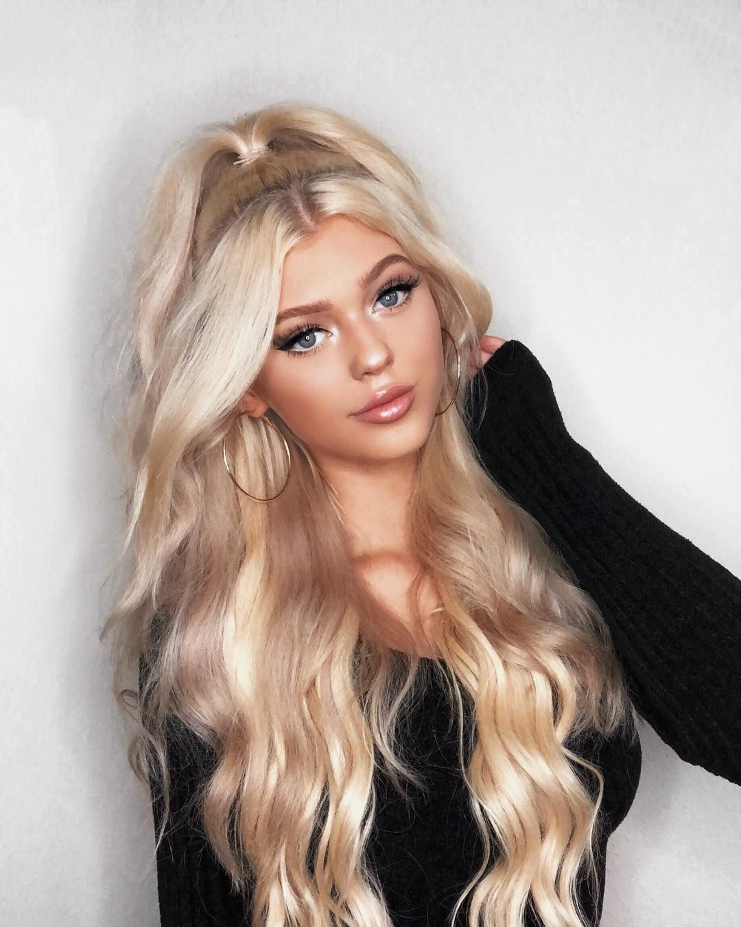 63189c27e6 9.3m Followers, 209 Following, 801 Posts - See Instagram photos and videos  from Loren Gray (@loren)