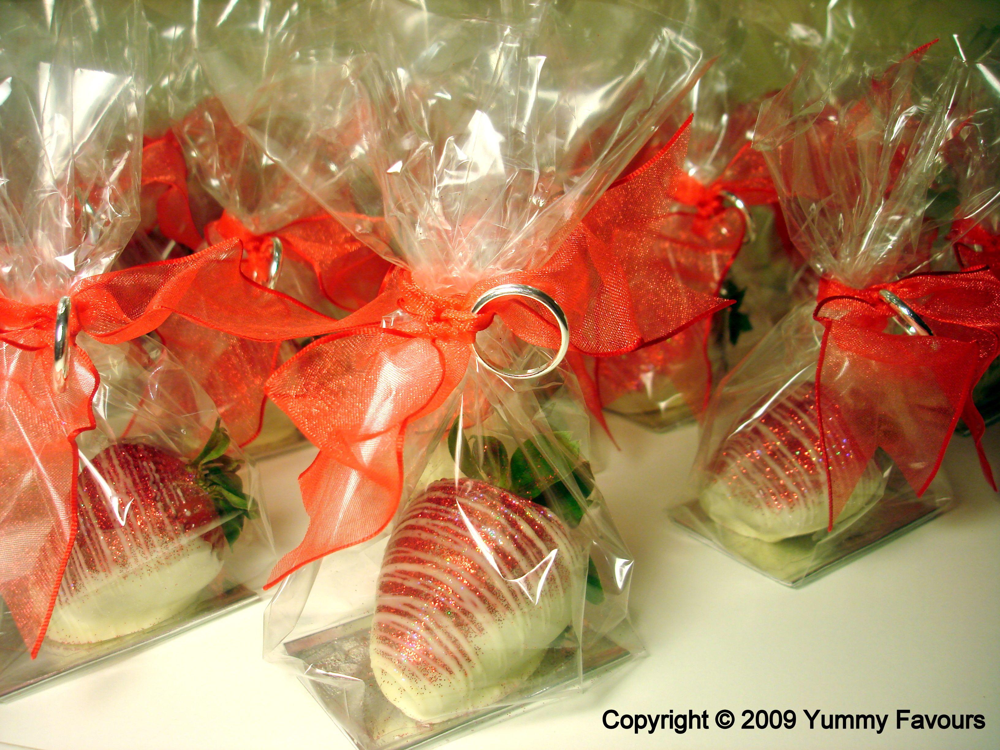 14 best Glitter strawberries images on Pinterest   Kitchen ...