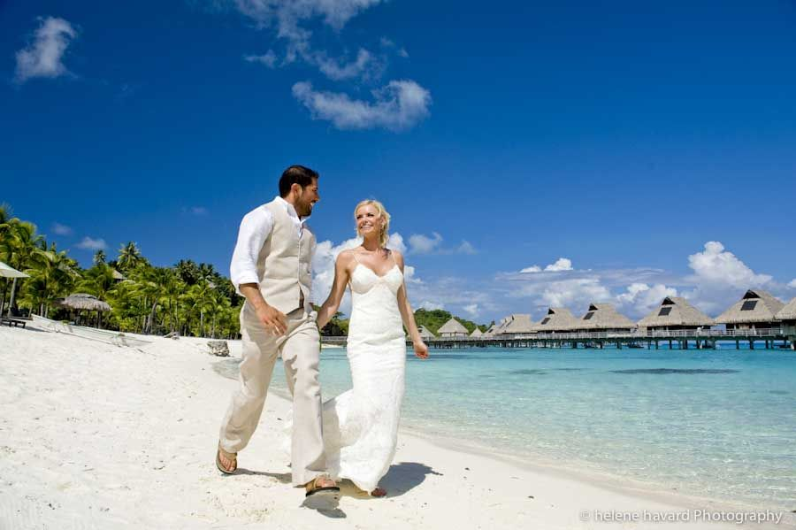 Real Wedding Hilton Resort Bora Tahiti Photographer Helene Havard Perfect Location