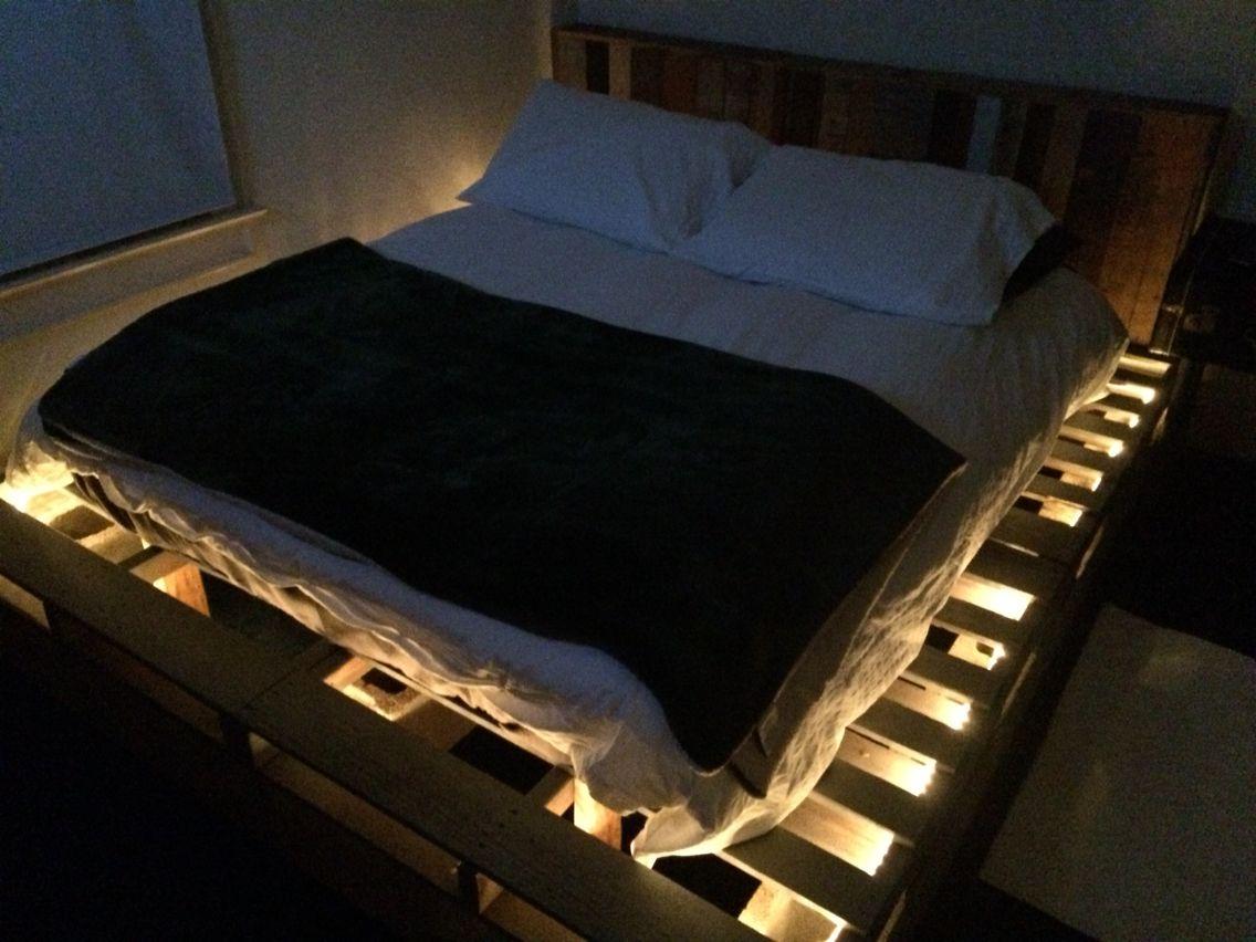 Pallet Amp Cinder Block Bed Frame With Repurposed Pallet
