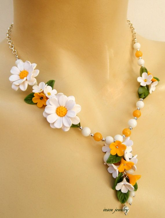 Daisy Necklace  Polymer clay statement necklace  Daisy flower necklace