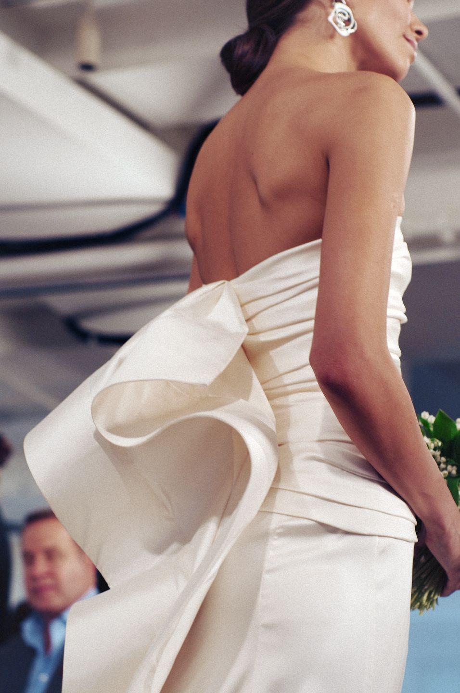 ls-ru imagesize:956x1440 @@ 1000+ images about Bridal 2015 on Pinterest | Oscar de la Renta, Bridal and 2015