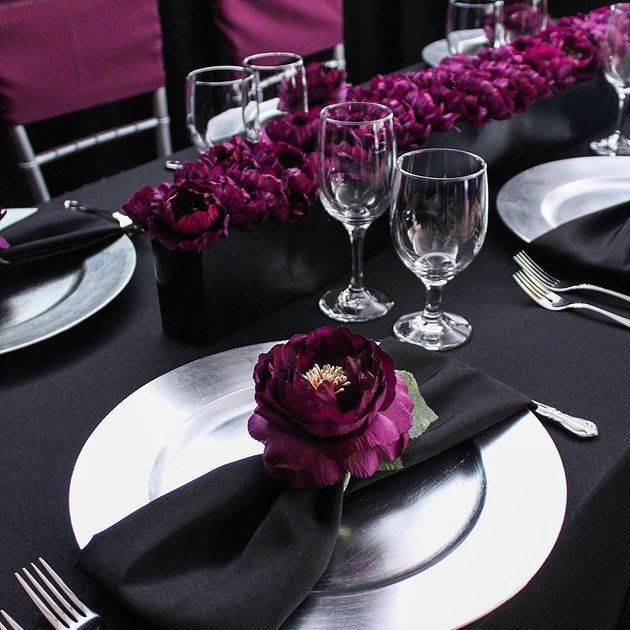 Beautiful Purple And Silver Table Decorations In 2020