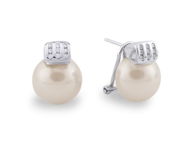 e967ffbefd40 Pendientes plata 925 con circonitas blancas y media perla   Silver 925  earrings with white cz and half pearl.