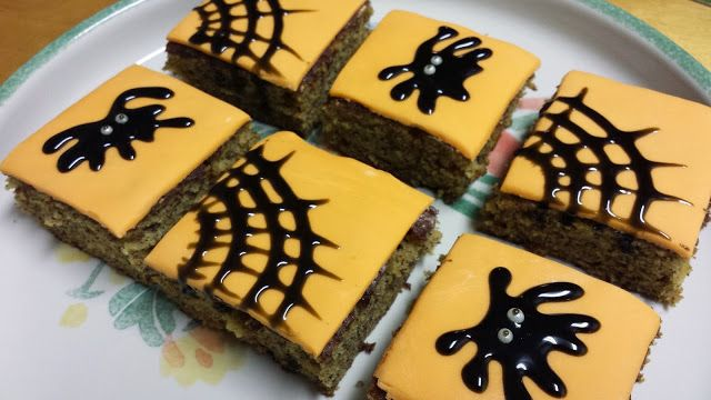 Halloween Banana Cakes