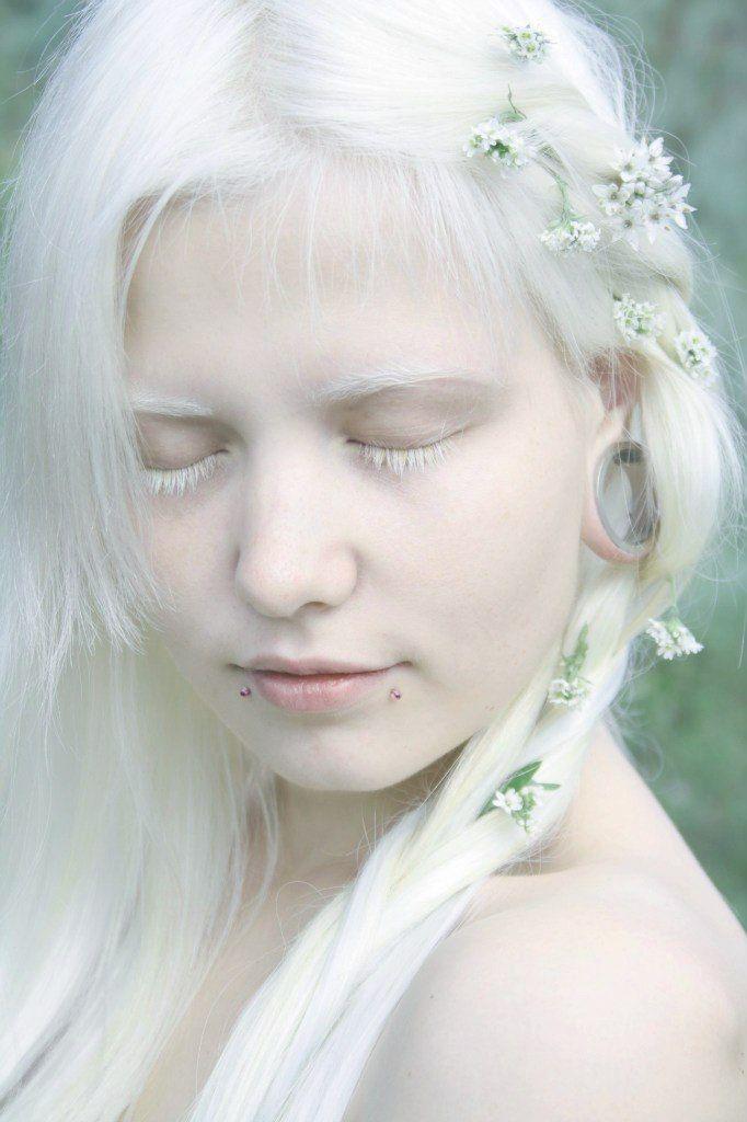Anastasiz Vinnej Anastasiz Vinney Tags Looks Like An Albino White Eyelashes White Hair Albino Albinism Albino People Light S Albinism Pale Beauty Beauty