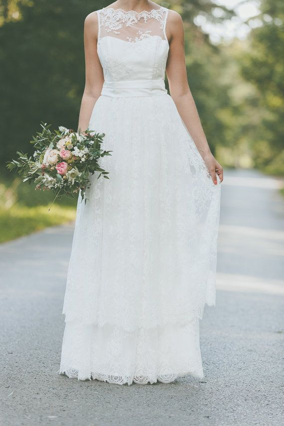 Hochzeitskleid Brautkleid aus Spitze mit von LightAndLaceCouture ...