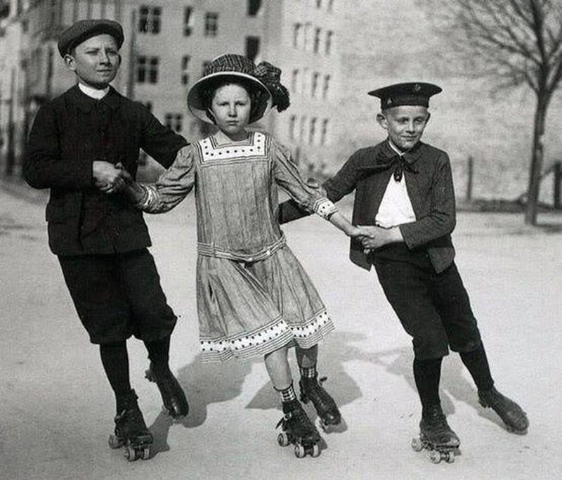 30 Vintage Photos Reveal A Different Side To The Past Vintage Children Photos Vintage Photos Vintage Children