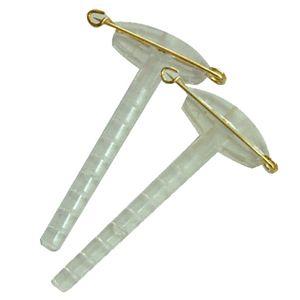 Clip prendido transparente para solapa de novio. Complementos florales para bodas, arreglos florales para bodas. Proveedor de floristería.