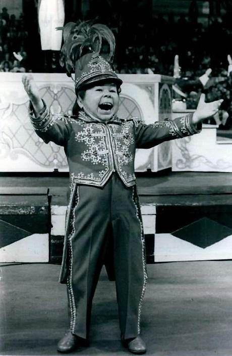 """Circus ringmaster, Mihaly """"Michu"""" Meszaros!"""