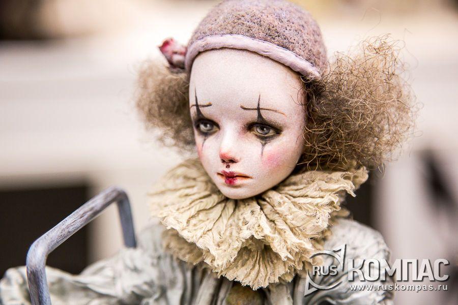 Пьеро, автор Ирина Дейнеко. Фотография. Альбом: XI Международный Салон кукол на Тишинке / РусКомпас