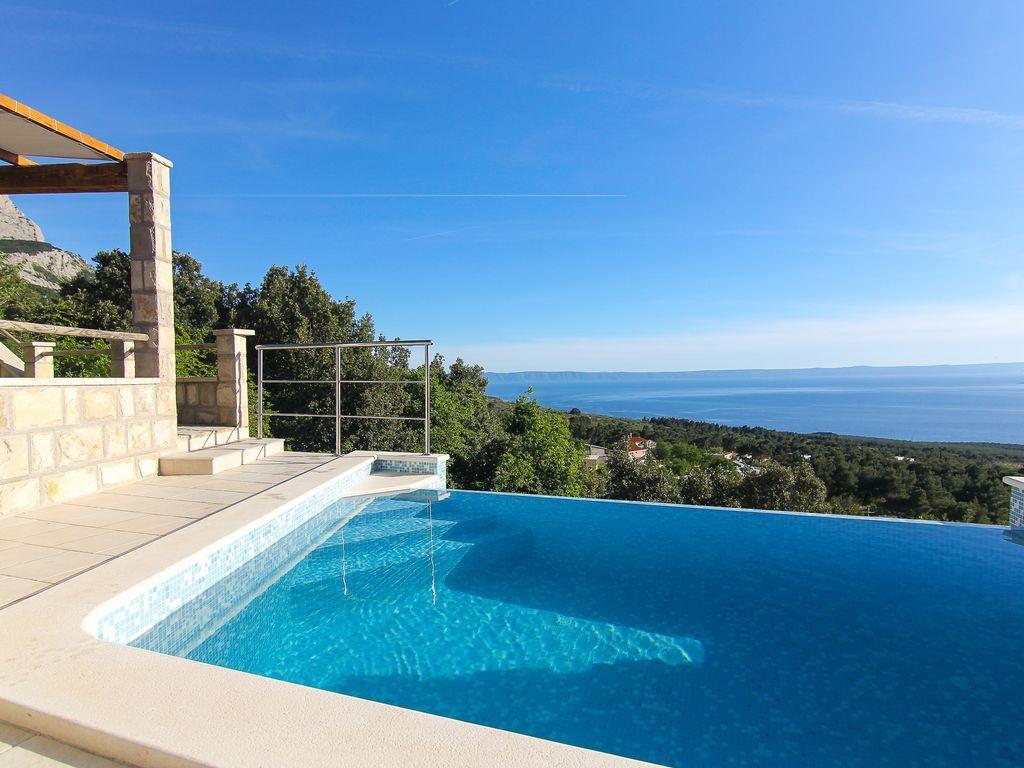 Villa dado mit infinity pool meerblick terrasse for Kroatien villa mit pool