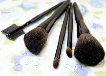 بالصور كيفية تنظيف فرش الماكياج سوبرماما Powder Brush Beauty Brush
