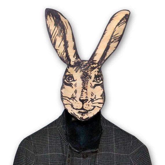 Cintre unique masque de lapine avec par DesignAtelierArticle, €30,00
