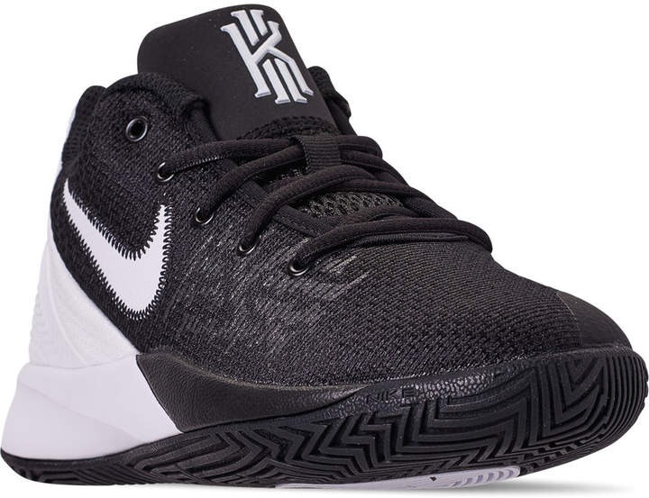 Nike Boys' Big Kids' Kyrie Flytrap II Basketball Shoes in