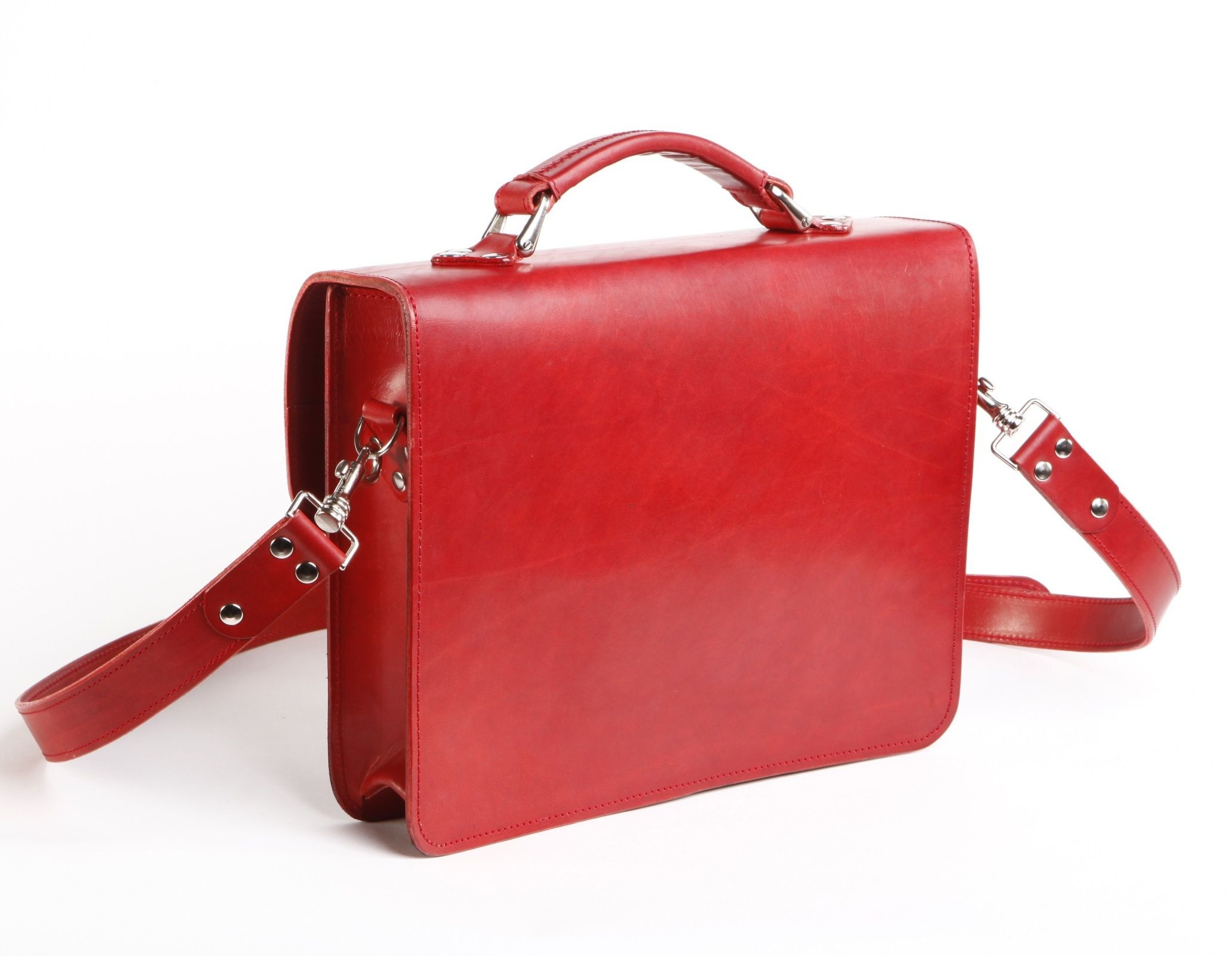 back of our #red #leather #bag made by #artisans in our leather #workshop in #Prague www.romantlusty.com