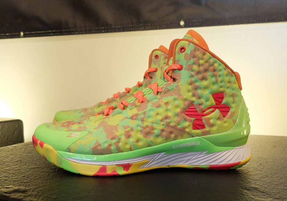 d20af9ce2f88 Under Armour Curry One - candy reign