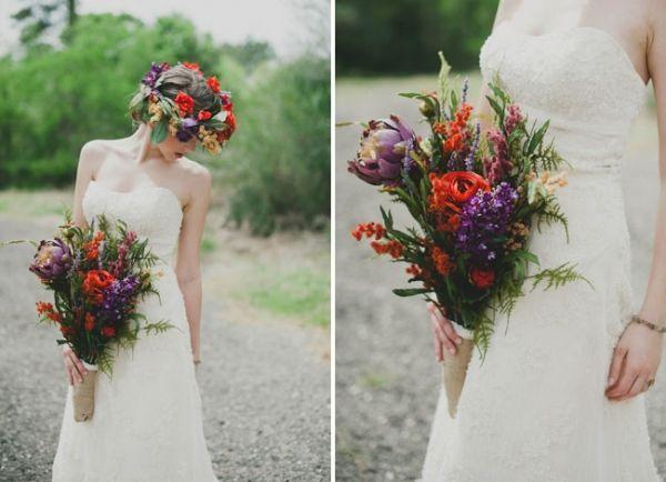 Bukiet Slubny W Stylu Rustykalnym Bukiet Z Polnych Kwiatow Wianek Z Zywych Kwiatow Wedding Flowers Wedding Bouquets Wedding