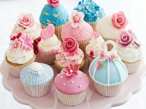 Image via We Heart It https://weheartit.com/entry/166650994 #awesome #blue #cool #cupcake #delicious #food #pink #pretty #sweet #yellow #yummy