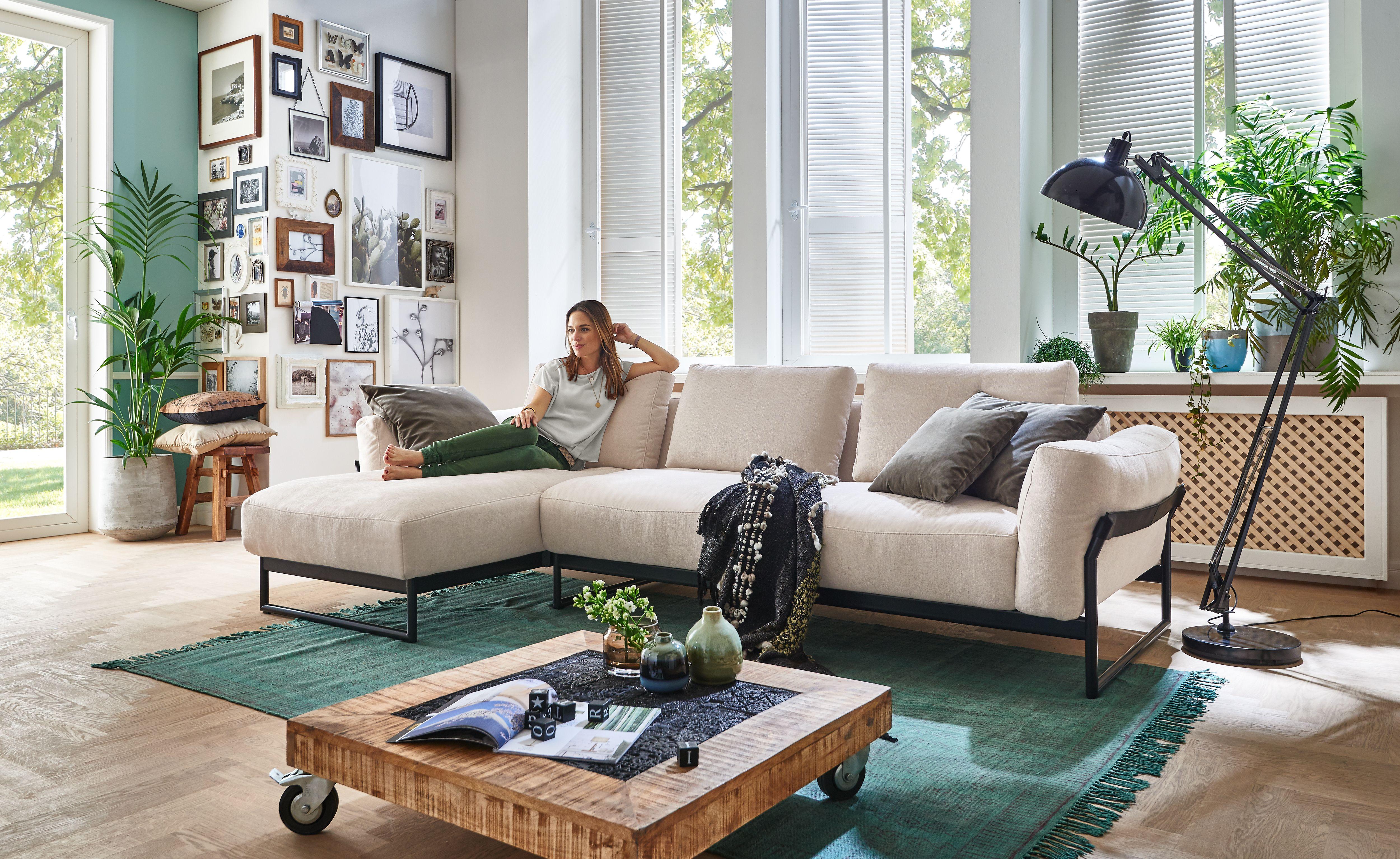 Gemütliches Sofa mit schlichter Eleganz   Gemütliches sofa ...