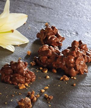 Crockin' Peanut Clusters - a sweet treat for yourself or as gifts!