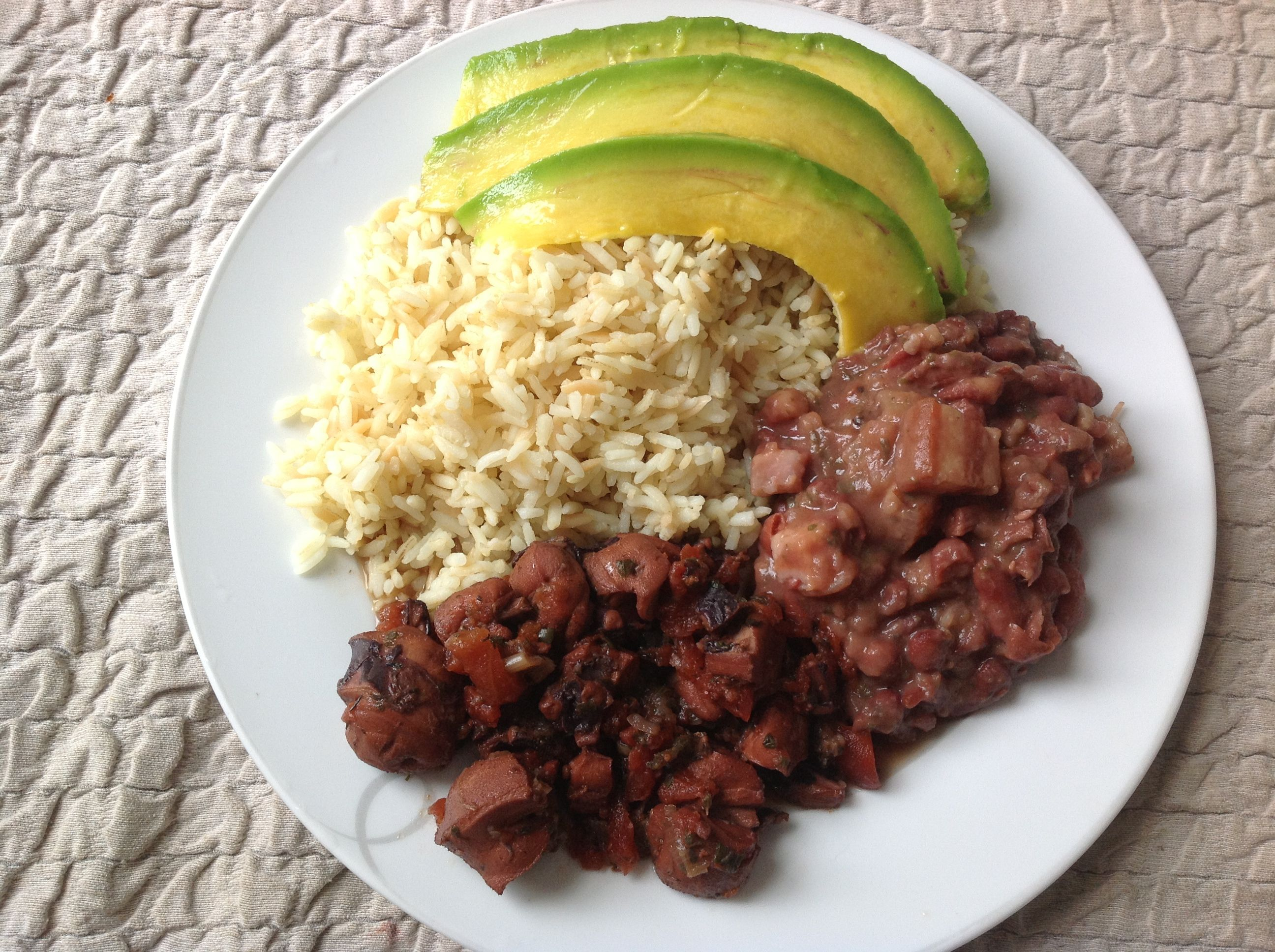 Chatrou, pois rouges, riz et avocat / octopus, red bean, rice and avocado