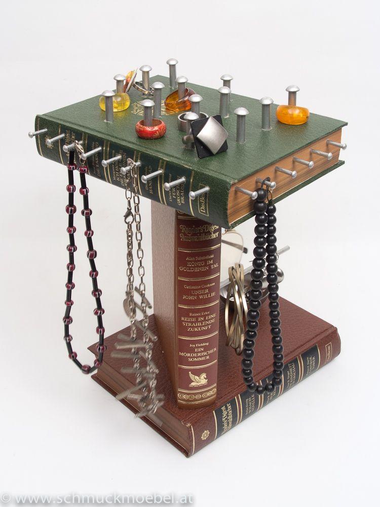 bockm bel turm alte b cher die ein zweites leben als schmuckm bel erleben zum hinstellen f r. Black Bedroom Furniture Sets. Home Design Ideas