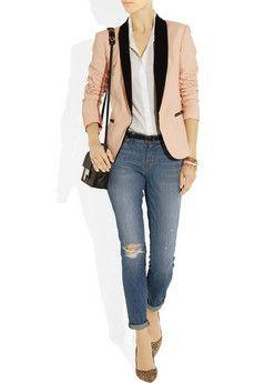 Blazer, jeans rasgado & scarpin