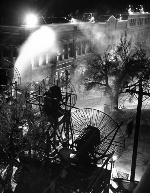 Ritter machines Let It Snow - Behind the Scenes Photos From the Set of 'It's a Wonderful Life', 1946