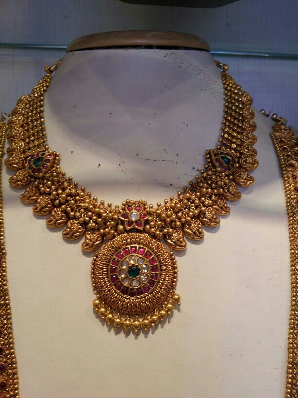 Pin By Shobha Prakash On Antique Gold Jewellery Gold Necklace Indian Bridal Jewelry Gold Jewelry Fashion Gold Necklace Designs