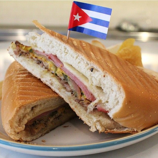 Hey foodies! Check out more #food photos & behind the scenes of Rosa Blanca, Chef Jose Garces' new #Cuban inspired restaurant online at pontealdia.com & in this week's printed issue. #aldianews #Philadelphia #philly #phl #rosablanca #rosablancaphl #josegarces #cubansandwich #yum #igers_philly (Photo: @samantha_madera / Al Dia News)