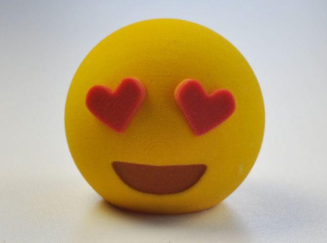 3D Love Emoji Meme aus dem 3DDrucker per Shapeways