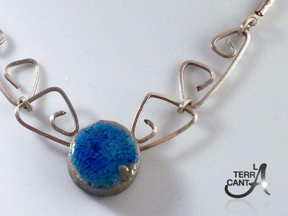 Fatto a mano collana Raku blu chiaro montata in di LaTerraCanta, €35.00