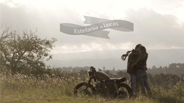 Lucas con sus amigos Customizaron una moto antigua con el estilo Café Racer, con ella junto a su amor consiguieron un camino.... #Our Own Way