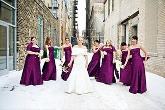 Here Comes The Bride In A Pretty Faux Fur Shawl Winter Wedding