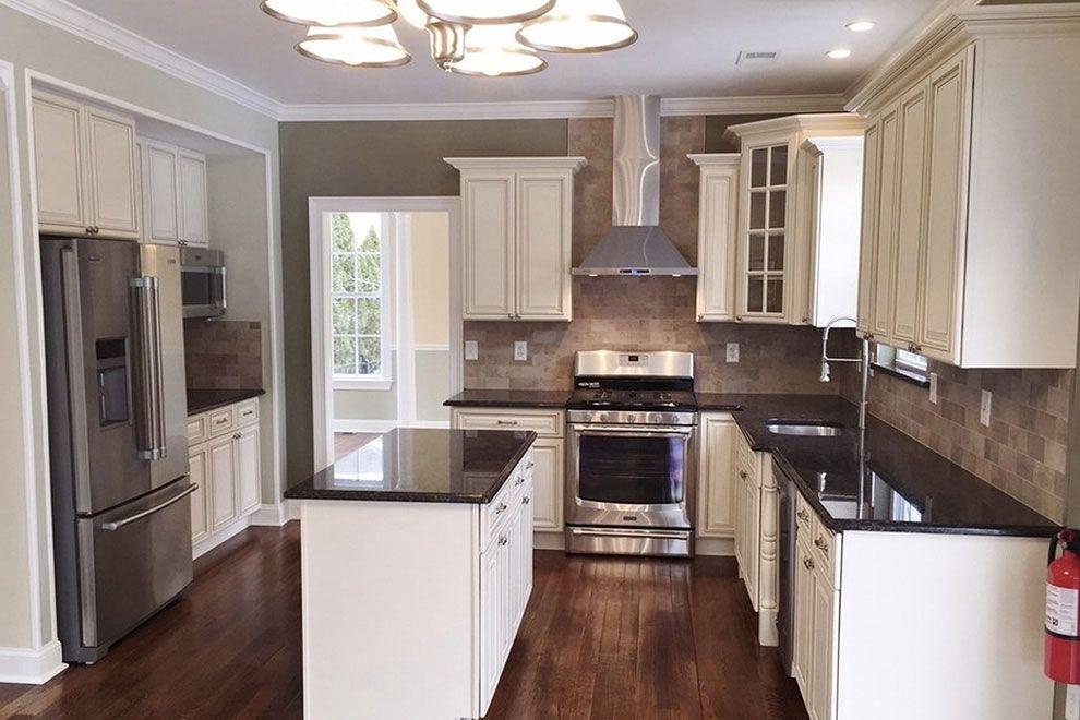 50+ Popular Brown Granite Kitchen Countertops Design Ideas ...