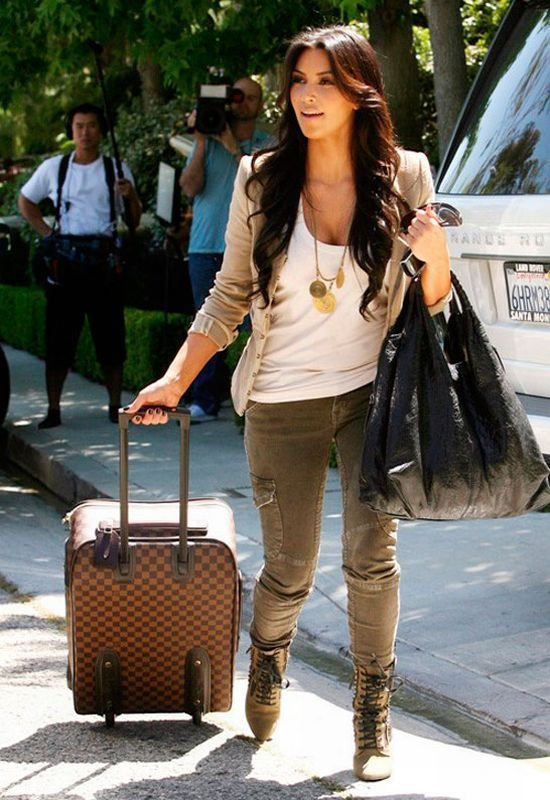 76d206d7dc59 Love this Kim K casual fall look