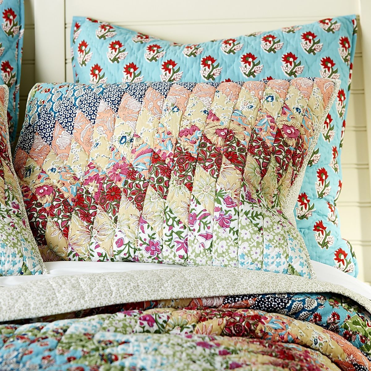 Starburst Quilt & Sham - Multi | Pier 1 Imports | bedroom ... : pier one quilts - Adamdwight.com