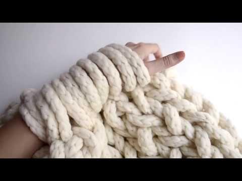 comment faire du arm knitting tricoter avec les bras. Black Bedroom Furniture Sets. Home Design Ideas
