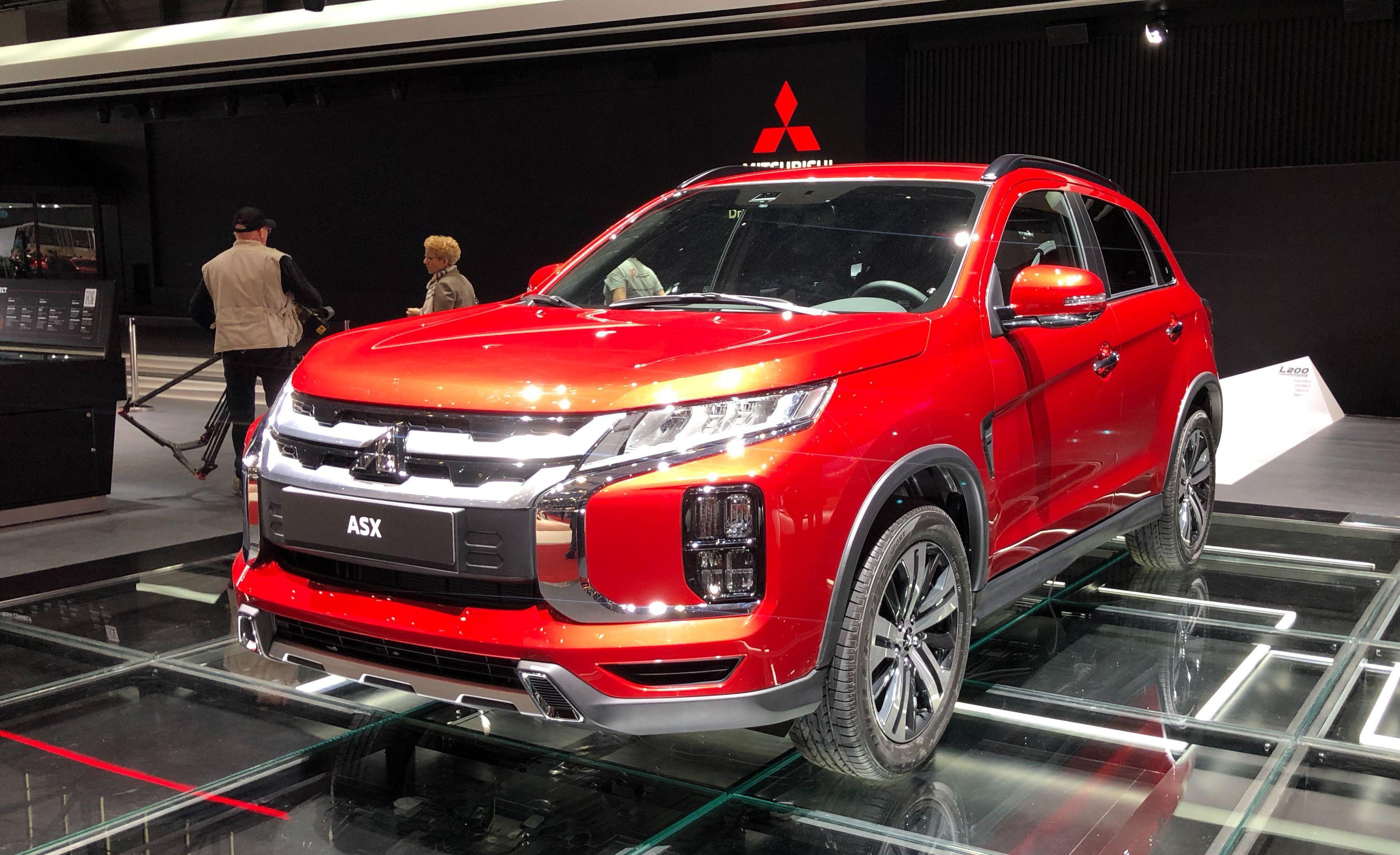 2020 Mitsubishi Outlander Sport Light Updates Make A Big Impact 2020 Mitsubishi Outlander Sport Mitsubishi Motors New Mitsubishi Suv Is In Development Could Fig