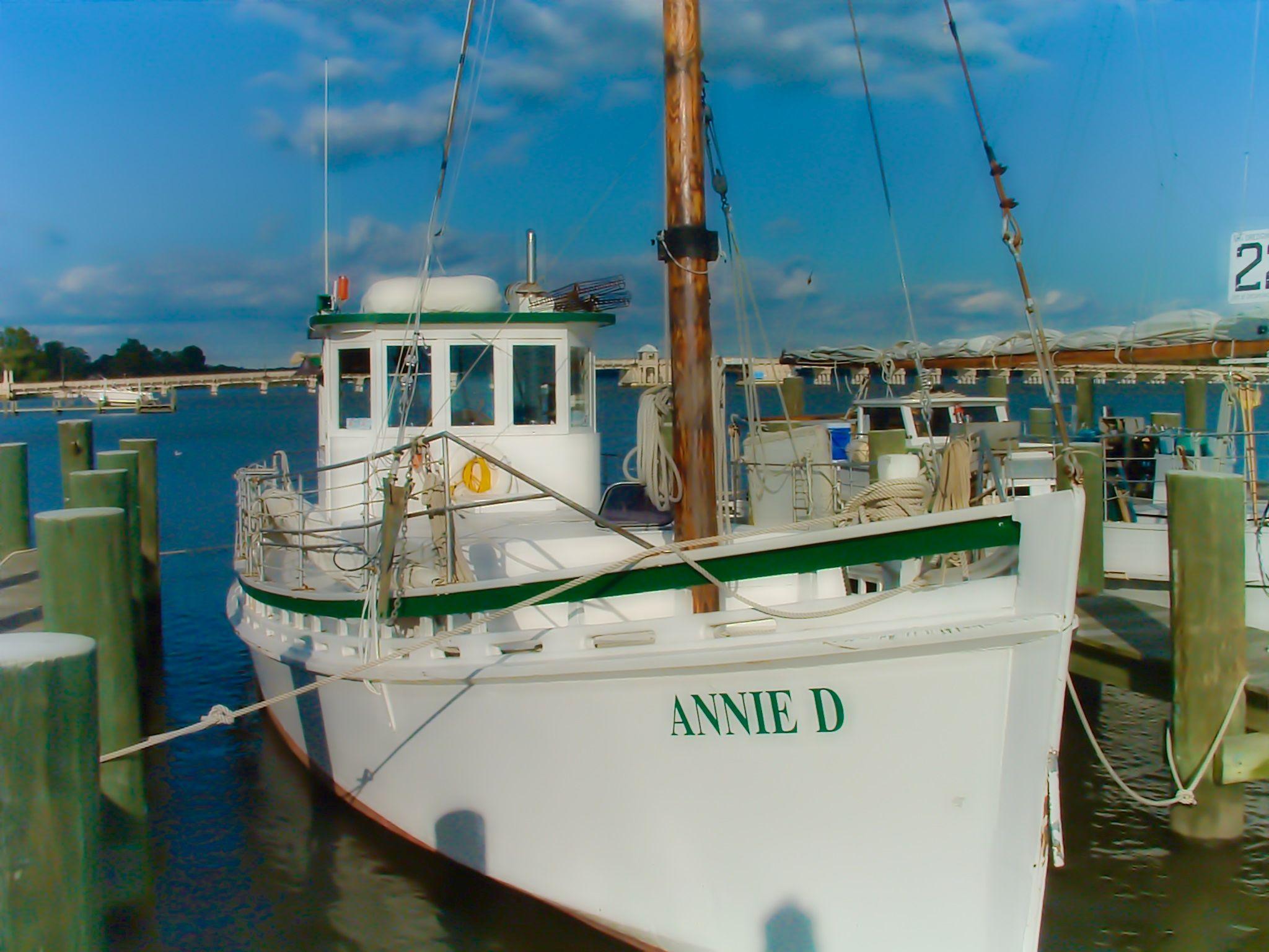 Virginia wesleyan college the ocean explorer chesapeake bay deadrise other boats pinterest chesapeake bay