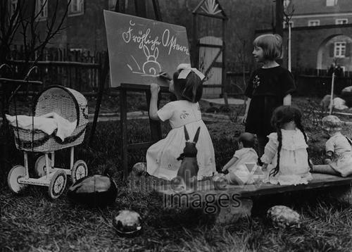 Ostern, 1927 - Fotocommunity Timeline Images   Historische