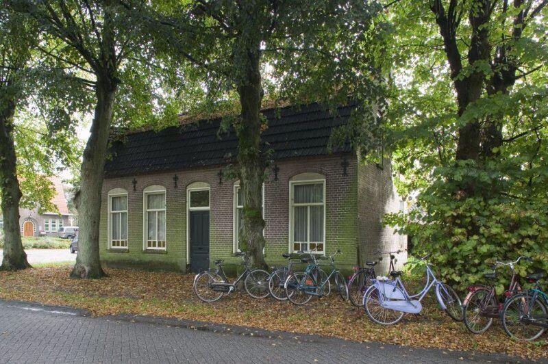 Van Dijk Riethoven.Cafe Van Deijck Riethoven Nostalgie History En Vans