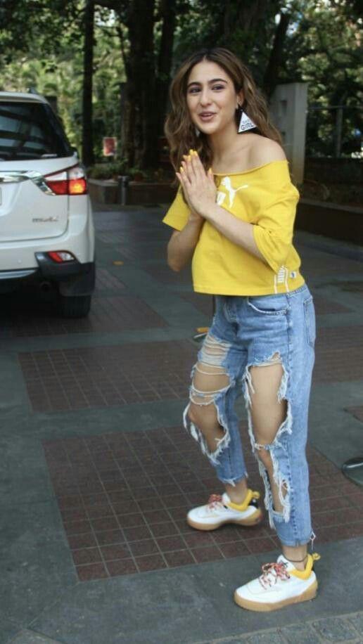 Pin by Bollywood Beauties on Sara Ali Khan | Dark brown ...